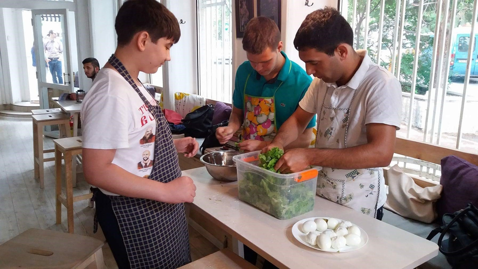 Youth Participants making salad in Bulgaria